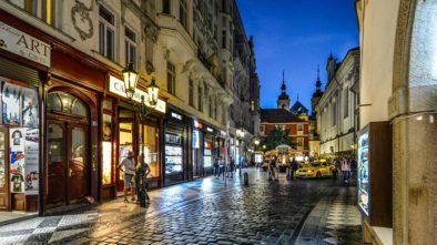 Vycházka pod Pražskými ulicemi