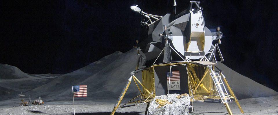 Kosmický modul Eagle k vidění v pražském planetáriu