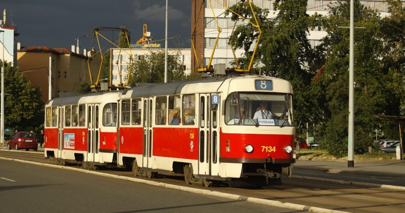 Jízdní řády pražské MHD se navrací do starých kolejí
